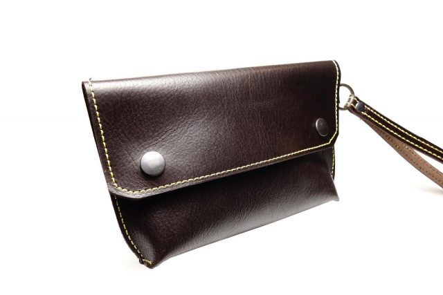 🔴 SAVE 22% Brown Leather Wristlet made with full grain cowhide. Tap the image to shop! Promo code: beatblackfriday  . . . .  #fashion #fashionblogger #fashionstyle #fashionista #fashionphotography #fashiondesigner #fashionstatement #mensfashion #mensstyle #menstyle #menswear #mensclothing #mensoutfit #menslook #mensfashionpost #outfits #outfitinspiration #outfitsideas #mensstreetstyle #menstylefashion #mensfashionreview #mensfashionblog #menswears #mensfashiontips #mensstyleguide #fashionmodels #outfit #outfitideas #outfitmen #todaysoutfit